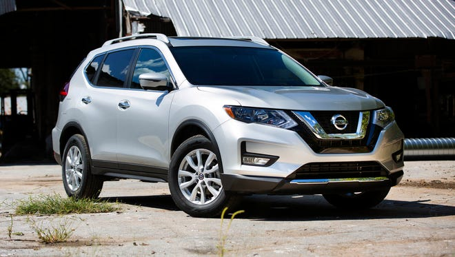 The 2018 Nissan Rogue offers the ProPILOT Assist technology which provides assisted steering, braking and accelerating during single-lane highway driving.