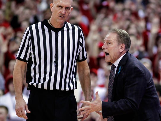 Michigan State head coach Tom Izzo, right, pleads with