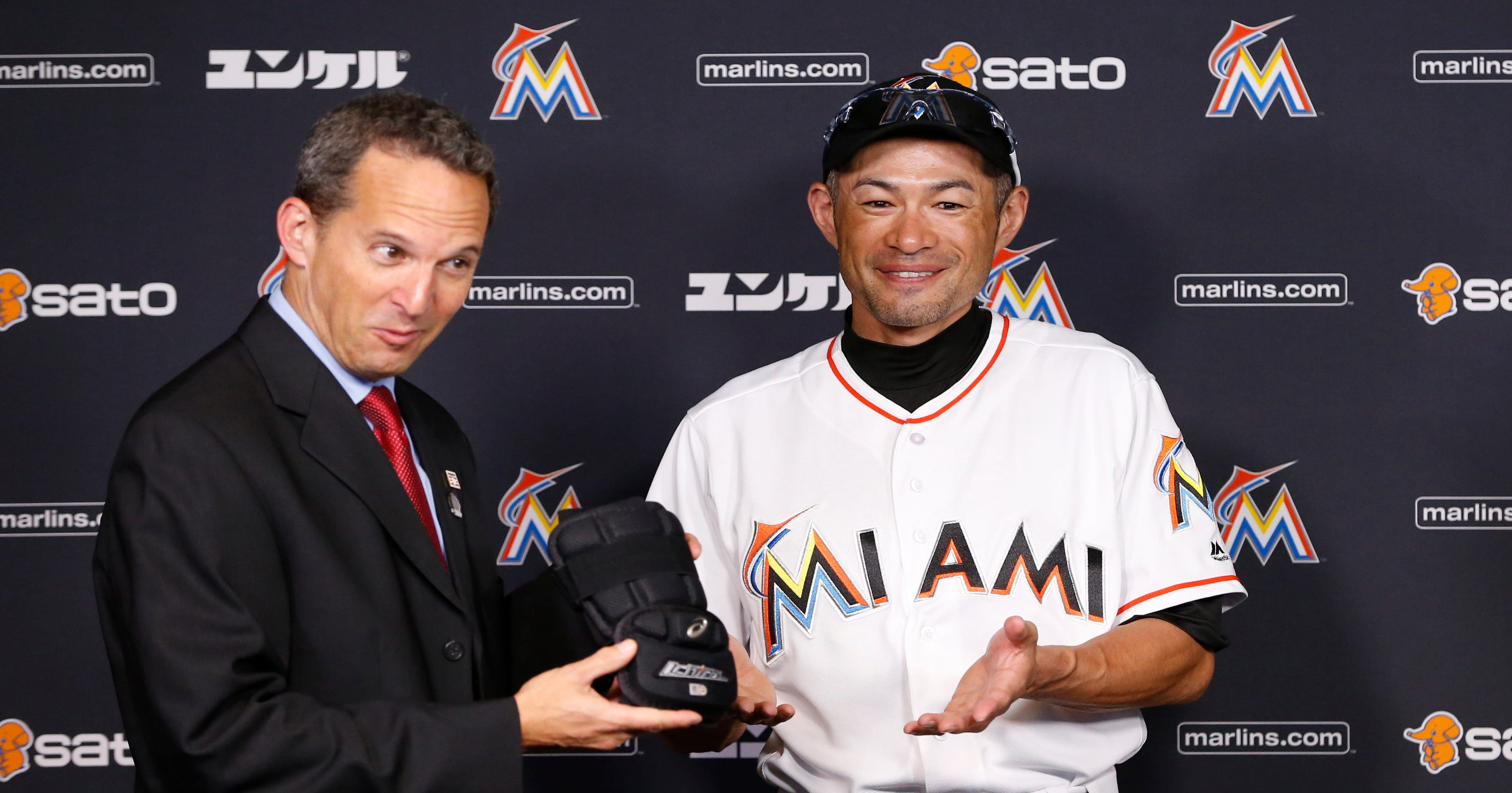 new products 6aad1 fdce4 Ichiro Suzuki donates 3,000-hit souvenirs to Hall of Fame