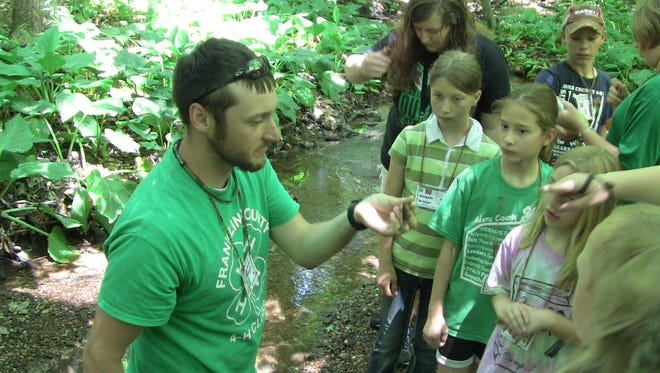Jason Goetz, Franklin County 4-H educator, teaching a wildlife workshop at 4-H Camp.