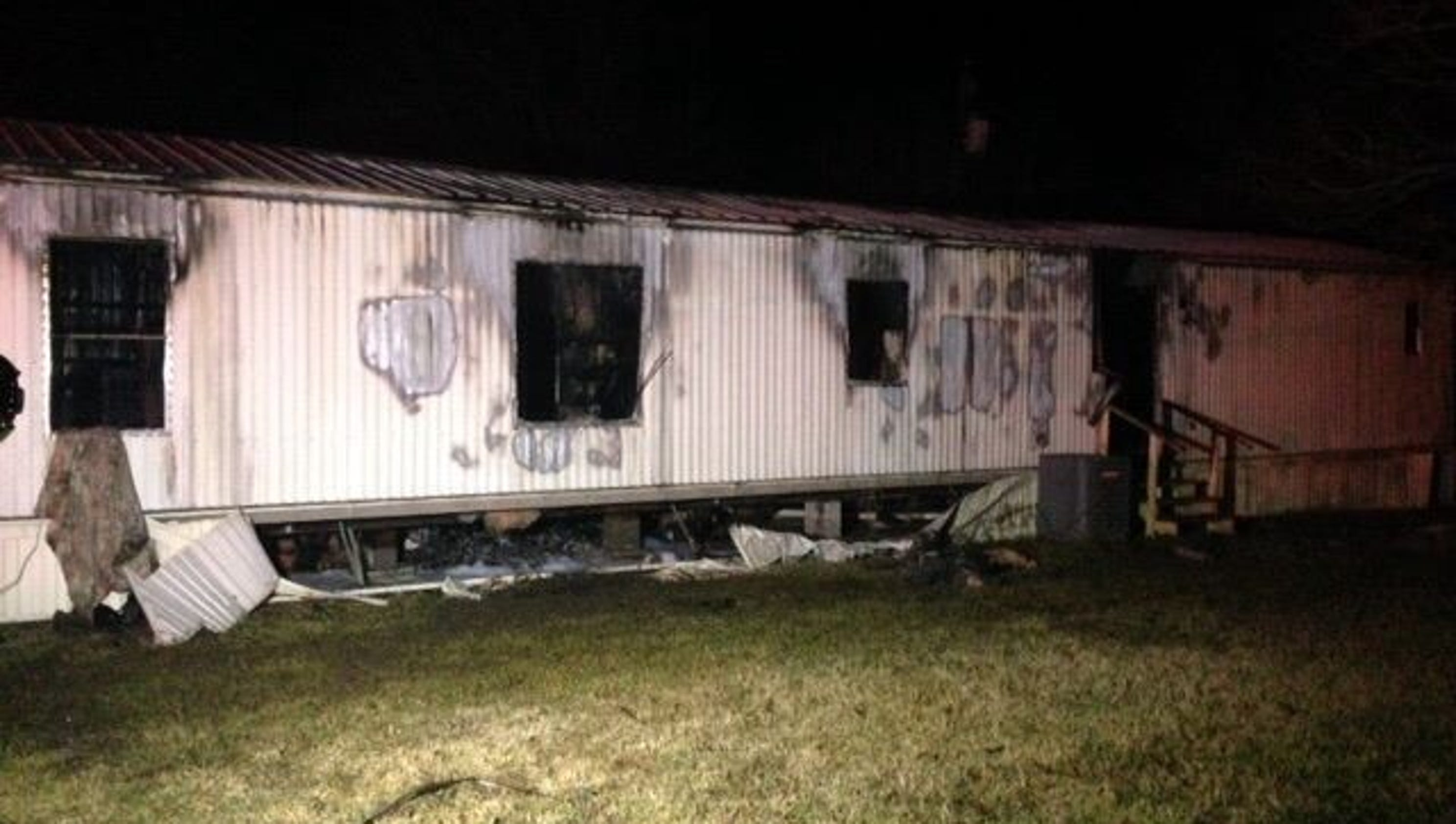 6-year-old girl dies in Deville fire