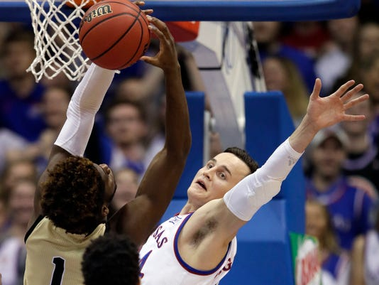 Wofford_Kansas_Basketball_71186.jpg