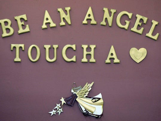 -she n Angel Hugs 0925 gck-03.JPG_20130925.jpg