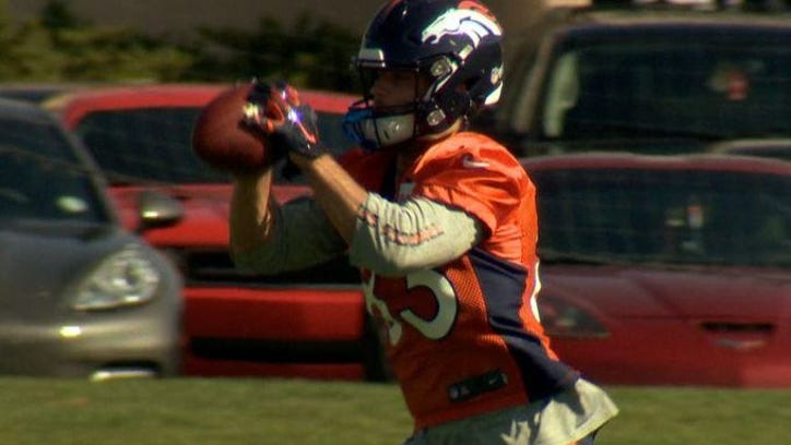 Wes Welker practiced Monday, nine days after suffering a concussion against the Houston Texas