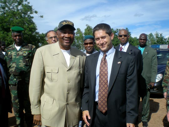 Moss during a Mali presidential tour.