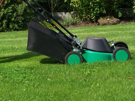 636685511896951651-lawnmower.jpg