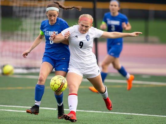Oshkosh West junior Lauren Singstock is the 2018 Oshkosh Northwestern Media All-Area Girls Soccer Player of the Year.