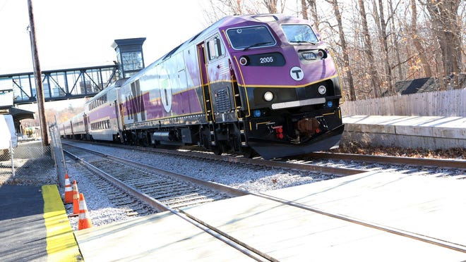 The company charged wiith operating the commuter rail system has won a contract exstension.