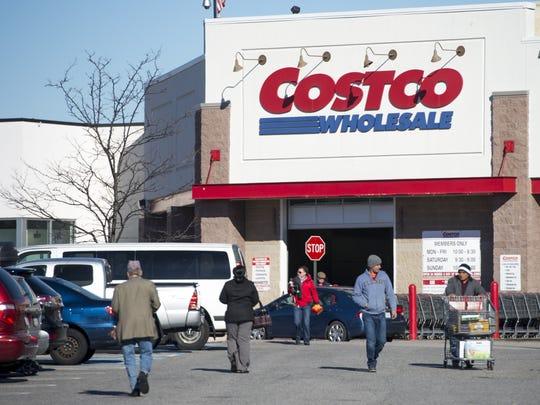 A Costco Wholesale warehouse location in Woodbridge, Virginia, January 5, 2016. AFP PHOTO / SAUL LOEB / AFP / SAUL LOEB        (Photo credit should read SAUL LOEB/AFP/Getty Images)