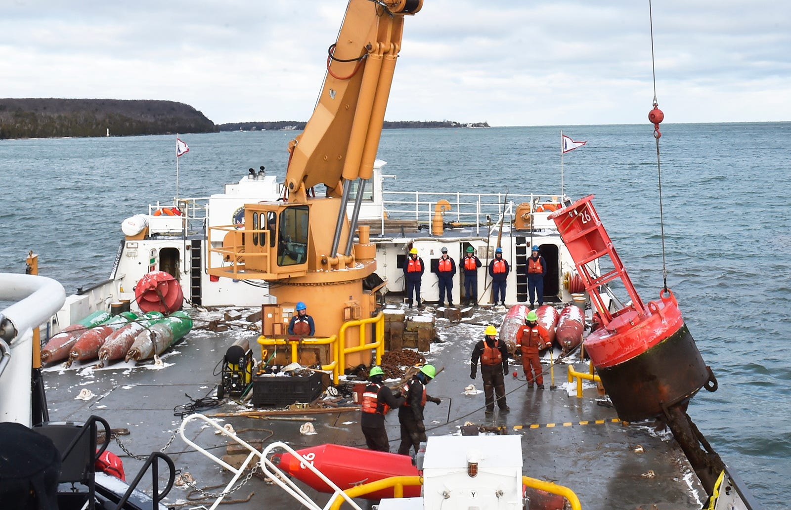 Good The United States Coast Guard Cutter Mobile Bay lifted