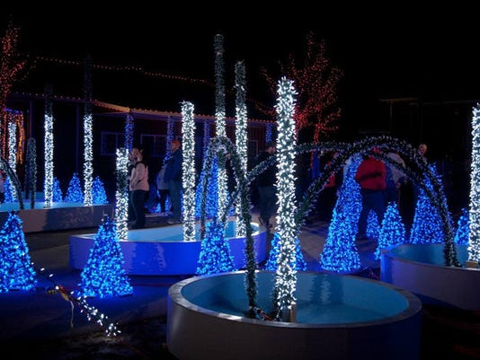 13 holiday lights displays around wisconsin