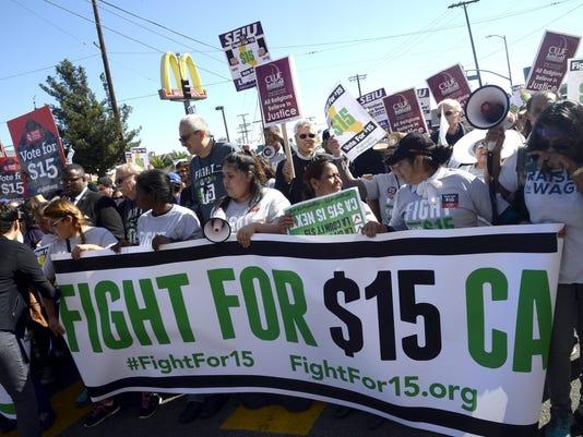 EPA USA CALIFORNIA MINIMUM WAGE PROTEST LAB WAGES & PENSIONS USA CA