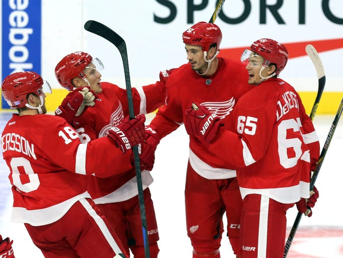 Detroit Red Wings' Jonathan Ericsson (52), second from