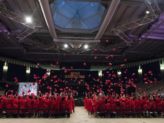635995064334128283-City-High-Graduation-May-21-2016-15.jpg