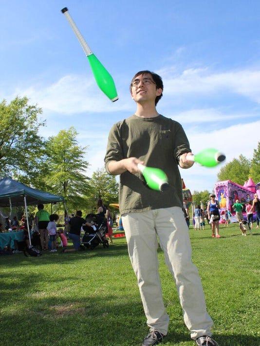 jugglers will perform