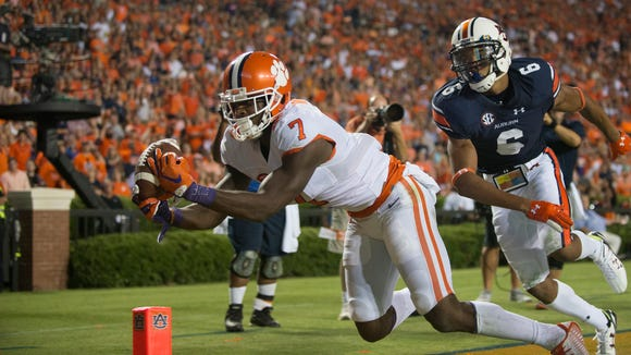 Clemson wide receiver Mike Williams (7) drops a pass in the back of the end zone as Auburn defensive back Carlton Davis (6) guards him during the Auburn vs. Clemson NCAA Football game at Jordan-Hare Stadium on Saturday, Sept. 3, 2016, in Auburn, Ala.