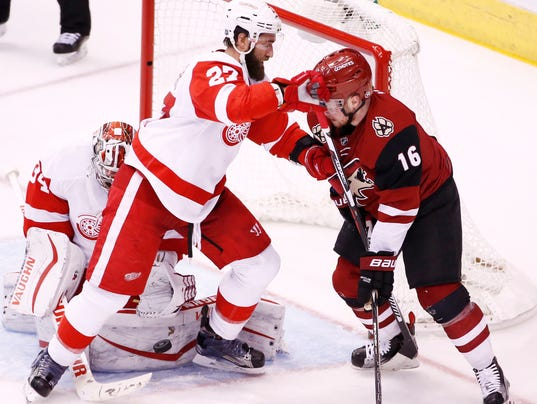 2016 Red WIngs vs Coyotes