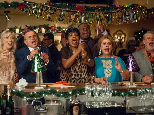"""(l-r.) Glenne Headly stars as Marguerite, Joe Pantoliano as Joe, Sheryl Lee Ralph as Roberta, George Wallace as Larry, Elizabeth Ashley as Lily and Graham Beckel as Burt in """"Just Getting Started,"""" a Broad Green Pictures release."""