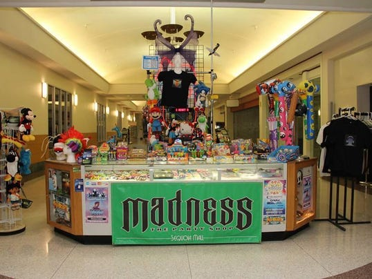 VTD 0721 Madness the Party Shop1a