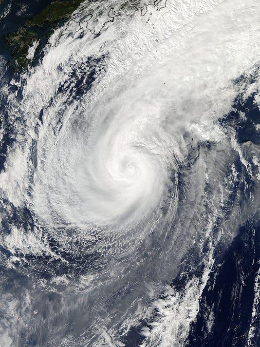 635509513618525921-Typhoon-Nuri-Alaska-Hill-1-