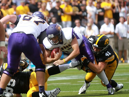 IOW_0831_Iowa_fb_vs_UNI_43