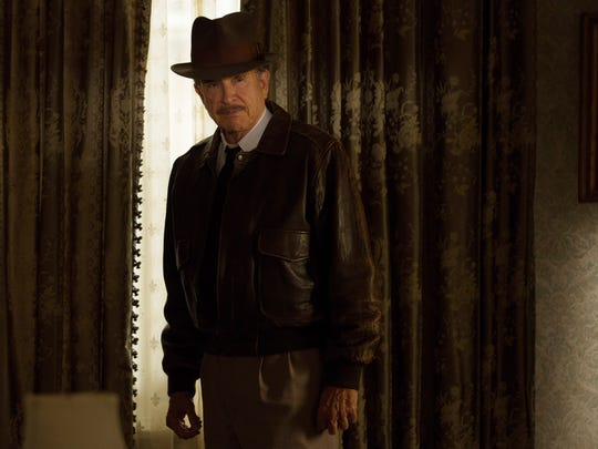 Warren Beatty directs 'Rules Don't Apply' and also