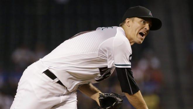 Arizona Diamondbacks Zack Greinke throws to the Los Angeles Dodgers in the 1st inning on Friday, Sept. 16, 2016 in Phoenix, Ariz.