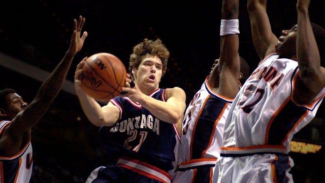 Gonzaga's Dan Dickau in 2001.