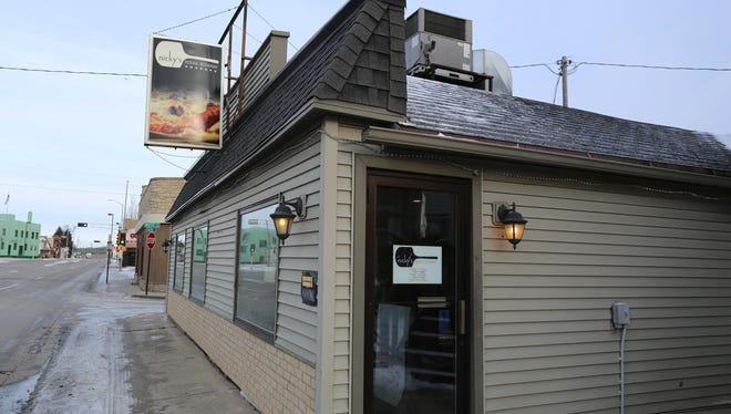 Owners of Nicky's Pizzeria in Sheboygan are trying to sell the business.