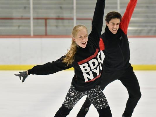 ice dancers3