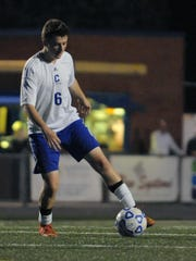 Chillicothe's Jason Johansen dribbles the ball against Wilmington Thursday, Oct. 8, 2015, at Herrnstein Field.