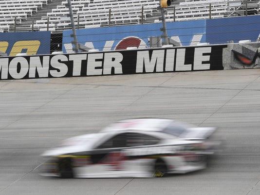 636611159084442213-NASCAR-Dover-Auto-Racing-GTJ1VVIFE.1.jpg