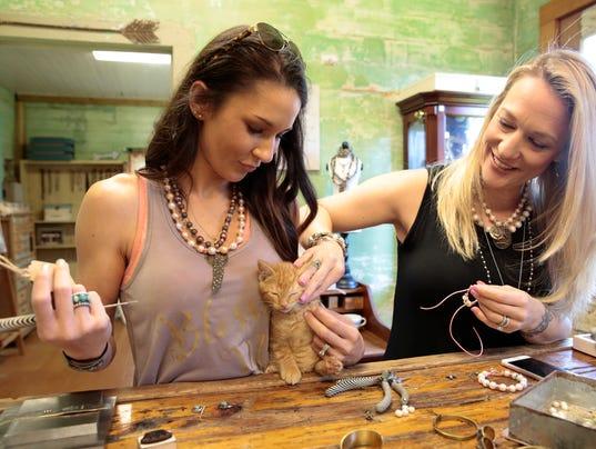 636000709807904986-jewelry-5834.jpg