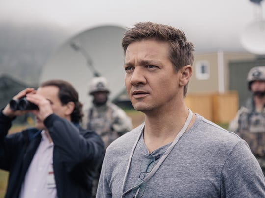 """Jeremy Renner as Ian Donnelly in """"Arrival."""""""