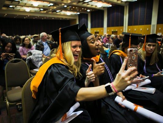 UTHSC-graduation03.jpg