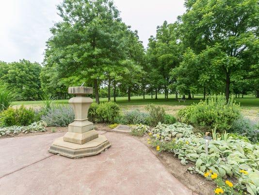 Peter Longley English Garden