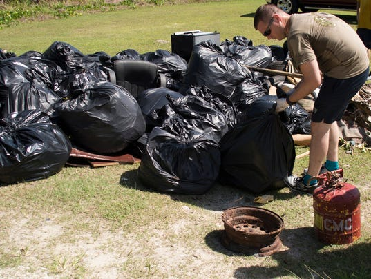 Guam Sailor Collects Trash for Earth Day 2018