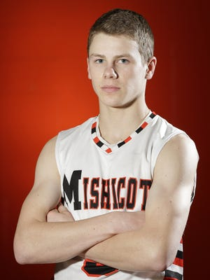Mishicot boys basketball player Bradley Reinhart is this week's Senior Spotlight.