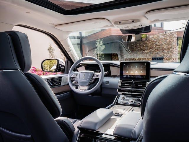Ford's $100,000 Lincoln Navigator: 'like driving a La-Z-Boy