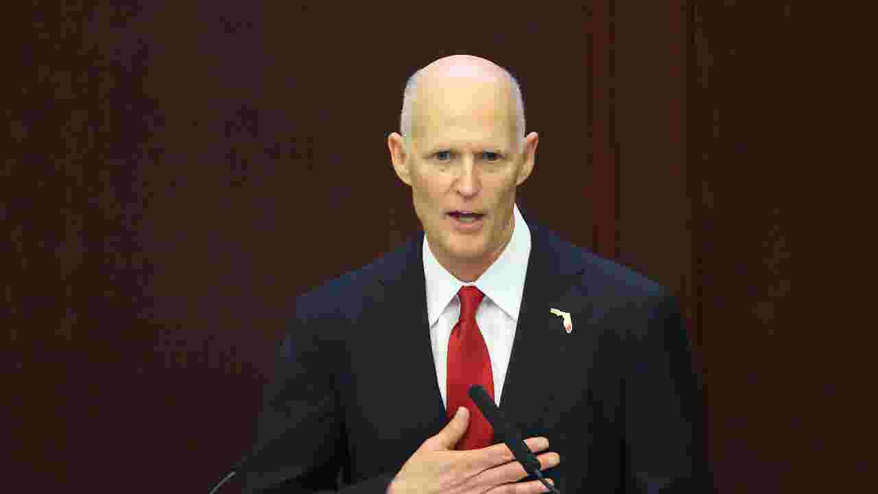 Florida Governor Is Signing K 12 Public >> Gov Rick Scott Highlights 500 Million School Safety Plan In Naples