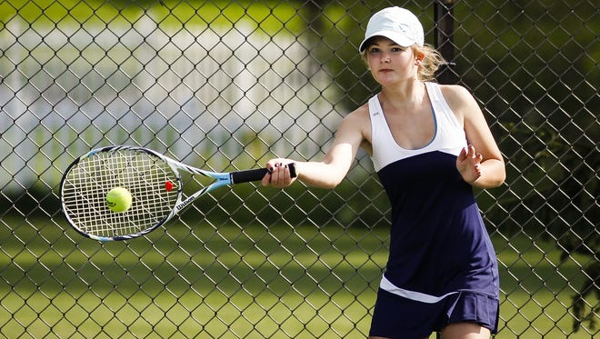 Lakewood No. 1 singles senior Kendra Stoepker returns for the Vikings after a strong junior season that landed her on the State Journal's Dream Team.