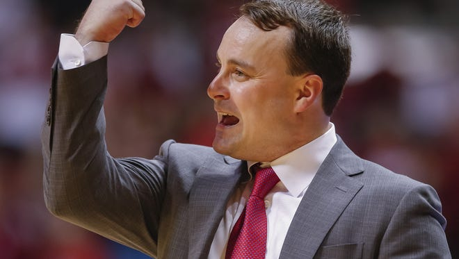 Indiana Hoosiers head coach Archie Miller signals to his team late in the game against the Penn State Nittany Lions at Simon Skjodt Assembly Hall in Bloomington, Ind., on Wednesday, Jan. 9, 2018.
