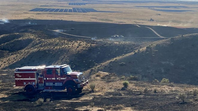 Fire started near base of Temblors and spread into the Hills Wednesday.