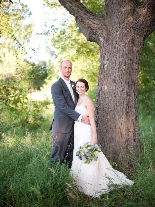Miranda-Pobloske wed.png