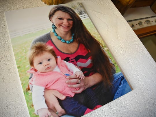 A photo of Lacey Kuschel and her daughter Aspen is