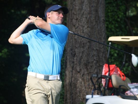 Former Olympic College golfer Zach Lund finished second
