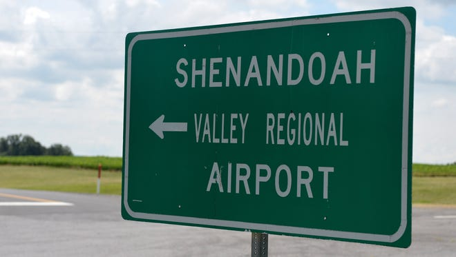 A sign points the way to the entrance to the Shenandoah Valley Regional Airport.
