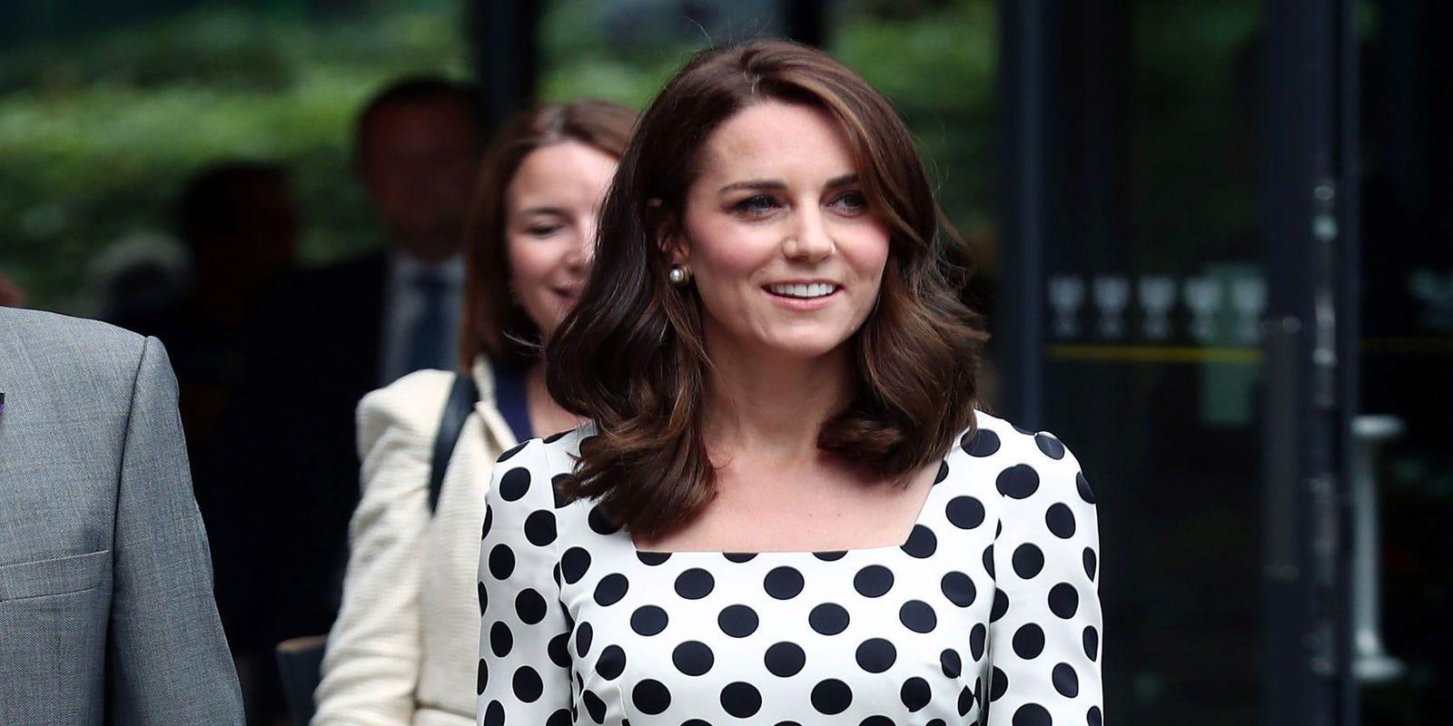 24cf94942aa288 Duchess Kate looks youthful in polka dot dress