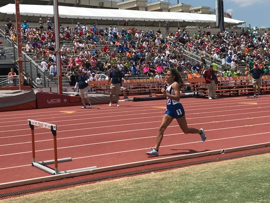 Ingleside's Jordan Blanton competes in the 4A girls