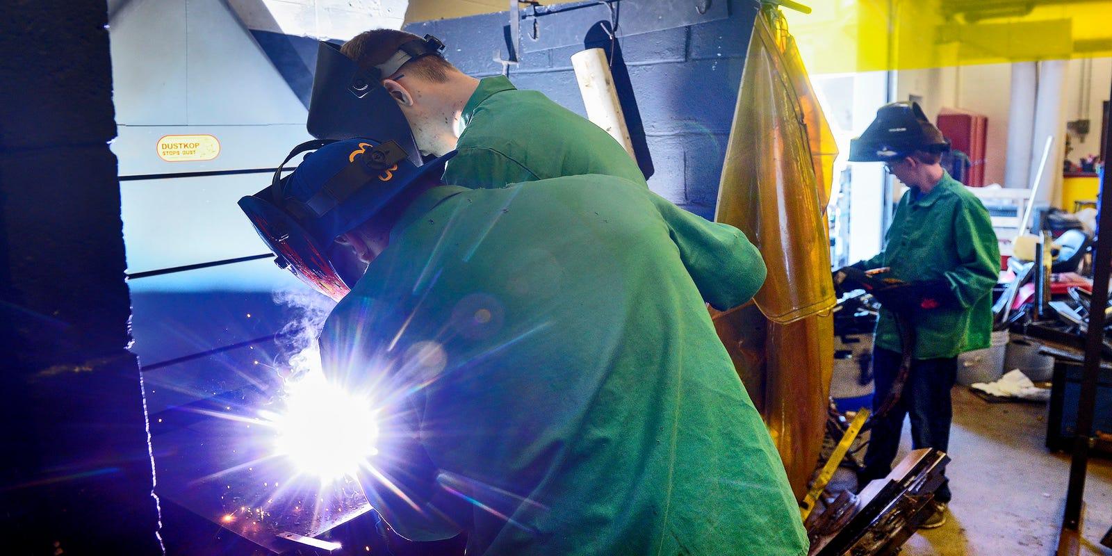 High school welding class teaches industry standards